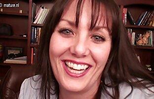 Jackie, Ela assistir vídeo pornô brasileiro Bate Uma.