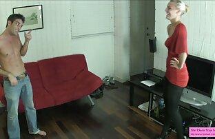 Sexy põe uma máquina de sexo na vídeos de pornografia tua boca!