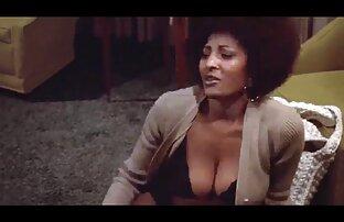Sexy vídeo pornô com mulher brasileira Lynn Fodendo Um Vegetal