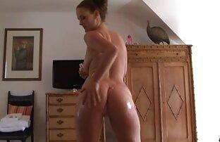 Parceiros experimentam com massagem eu quero assistir um filme de pornô