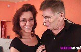 Meias altas e vídeo pornô na piscina cuecas sexy por Celeste