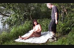 A rapariga Negra diverte vidio pornu - se com um tipo branco.