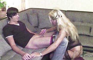 A Isida vídeo de pornô com mulher leva no cu de dois tipos.