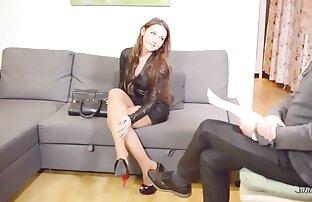 Uma Morena vídeo pornô com novinha Bonita Tatuada Fode Ratas.