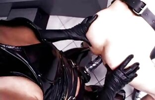 Uma jovem morena recebe uma video de sexo de anime massagem e muito mais.
