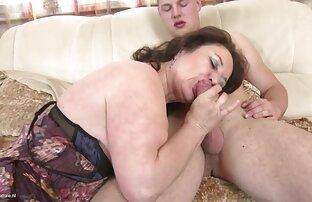 Massagem vidio de ponou de costelas Magricelas-tenta mostrar costeletas mas ele continua a foder-me