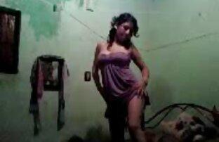Sexo no quarto da luz vermelha com a minha linda vídeo de pornô novo namorada.